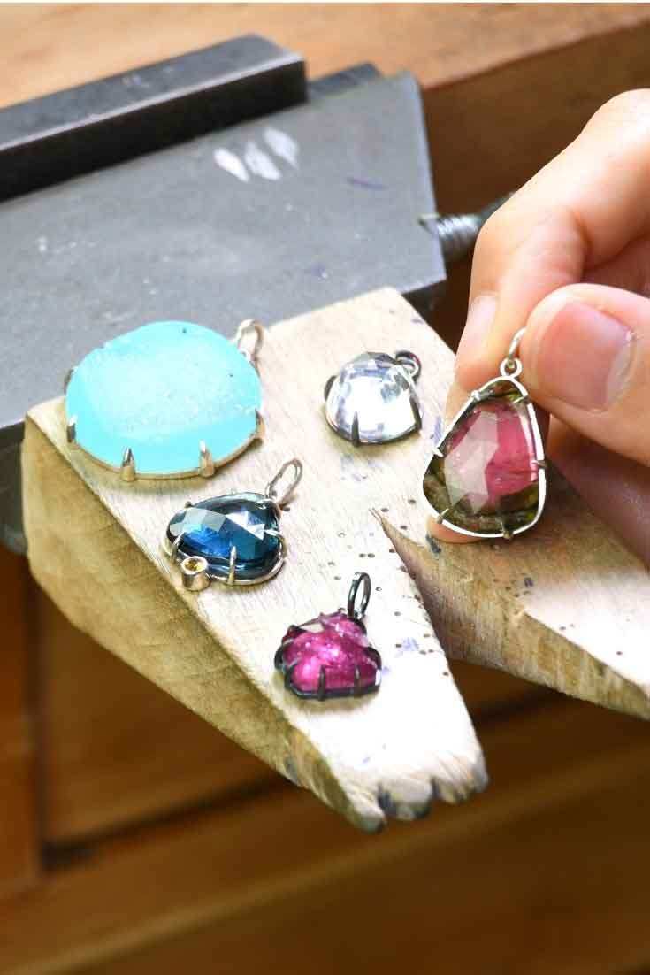 Prong setting for rose cuts and cabochons